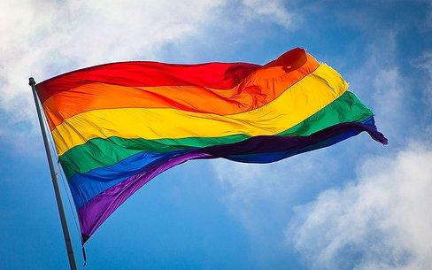 Het Opiniepanel | 'De regenboogvlag terug in kast'