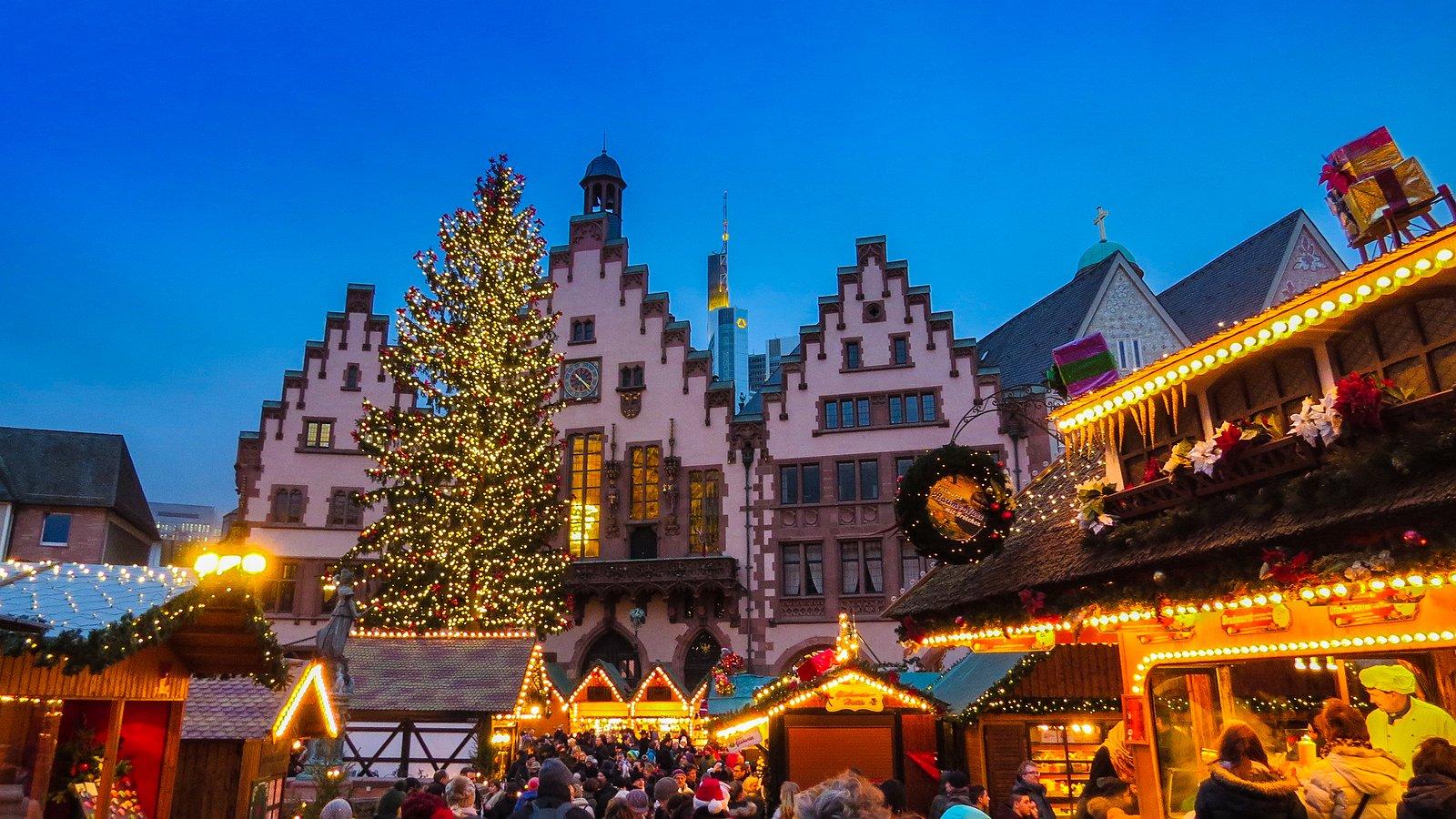 Tip voor donkere dagen: de Roze Kerstmarkt in Frankfurt