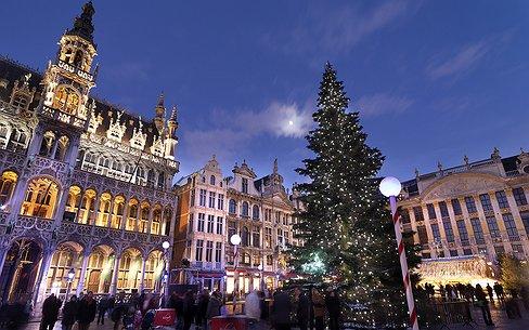 Travel | Glühwein drinken op de schaatsbaan in Brussel