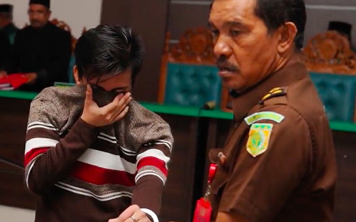 Indonesisch homopaar veroordeeld tot stokslagen