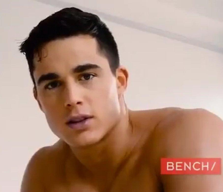 Foto's: Pietro Boselli poseert voor Bench Body Underwear