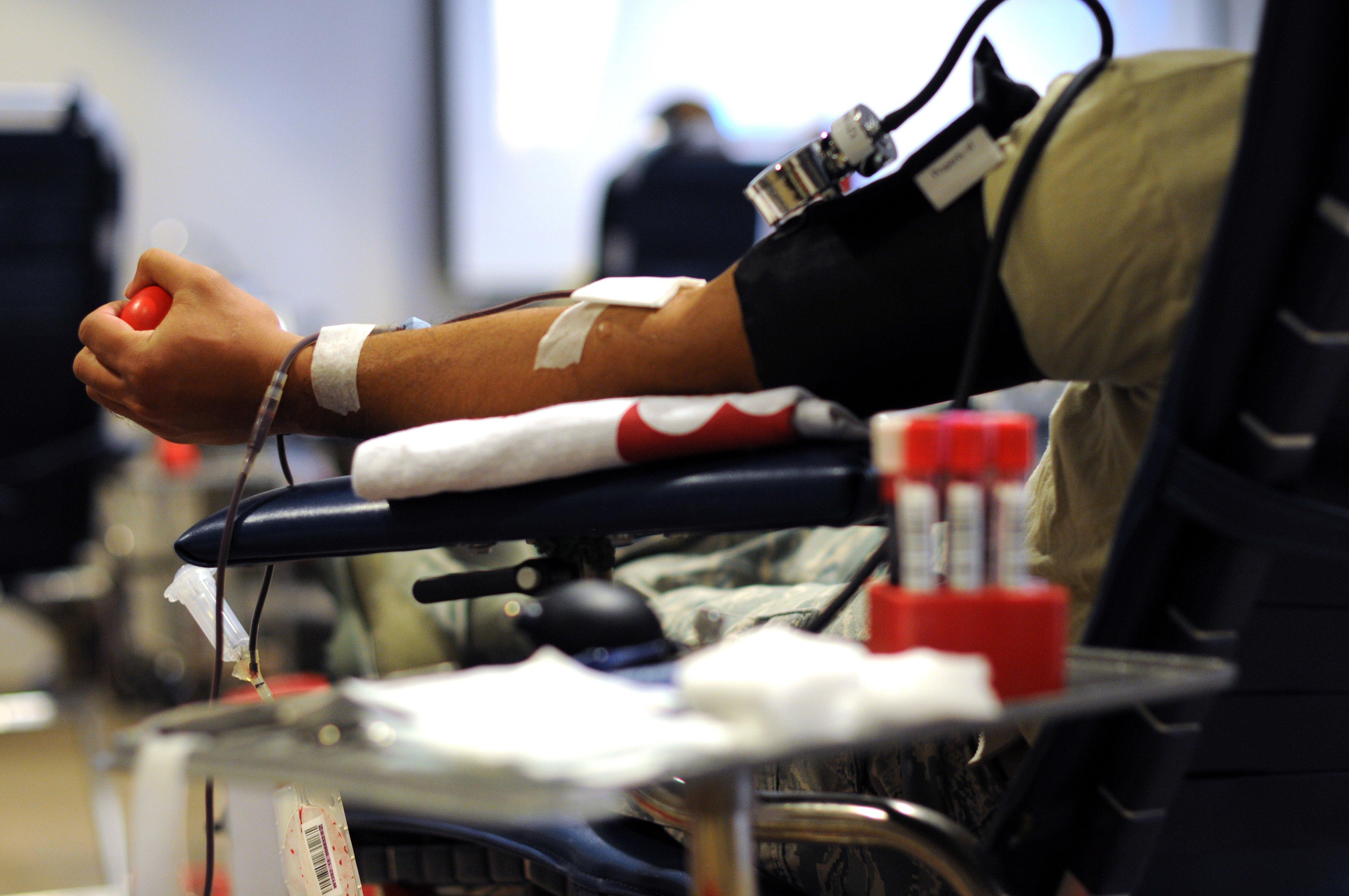 Britse homo's kunnen binnenkort makkelijker bloed doneren