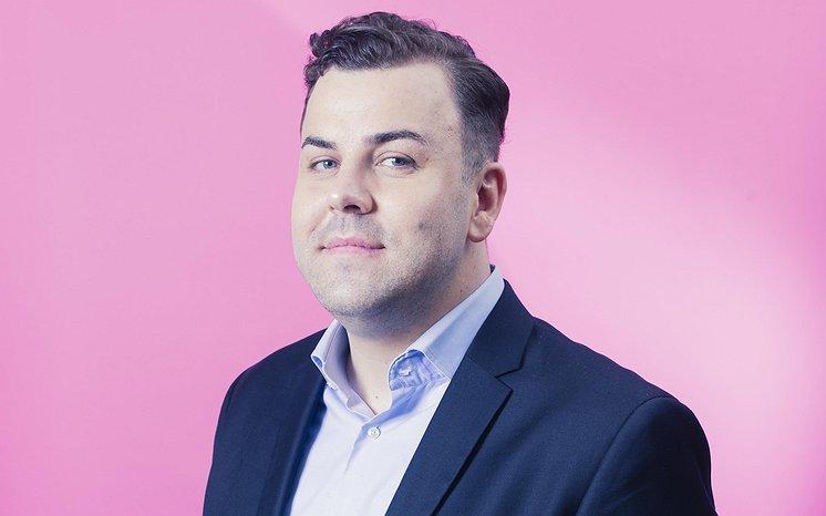 Het Roze Plafond | 'Ik heb geluk gehad, maar veel queer moslims belanden niet eens bij een sollicitatiegesprek'