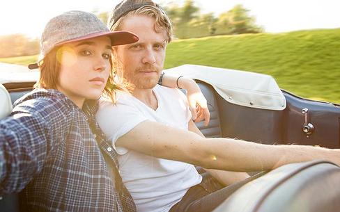 Ellen Page bezoekt Orlando in speciale aflevering 'Gaycation'