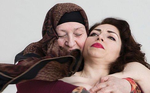 """Nazmiye Oral: 'Binnen de """"wij-cultuur"""" bestaat geen ruimte voor minderheden'"""