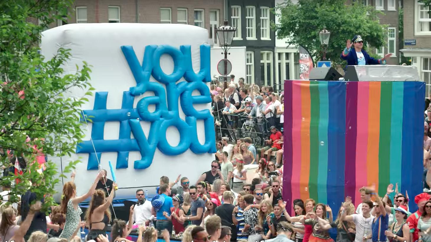 Life is better when you are you | Waarom Philips meevoer tijdens Pride
