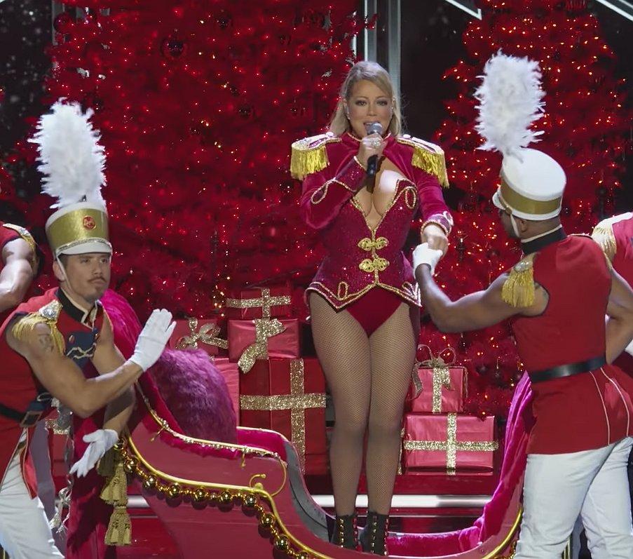 Kijken: Mariah Carey de grootste diva van Diva's Live