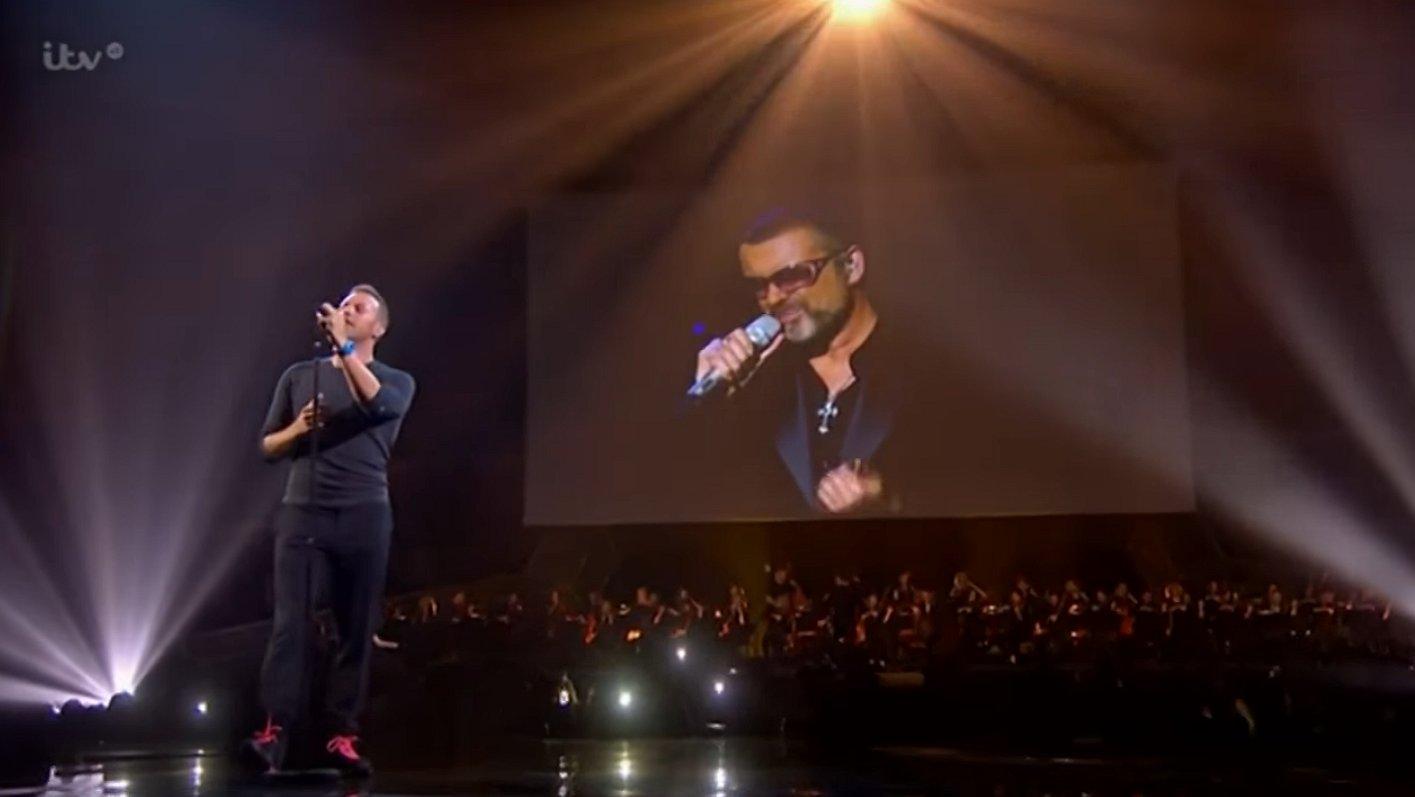 Ontroerend: Chris Martin eert George Michael met A Different Corner