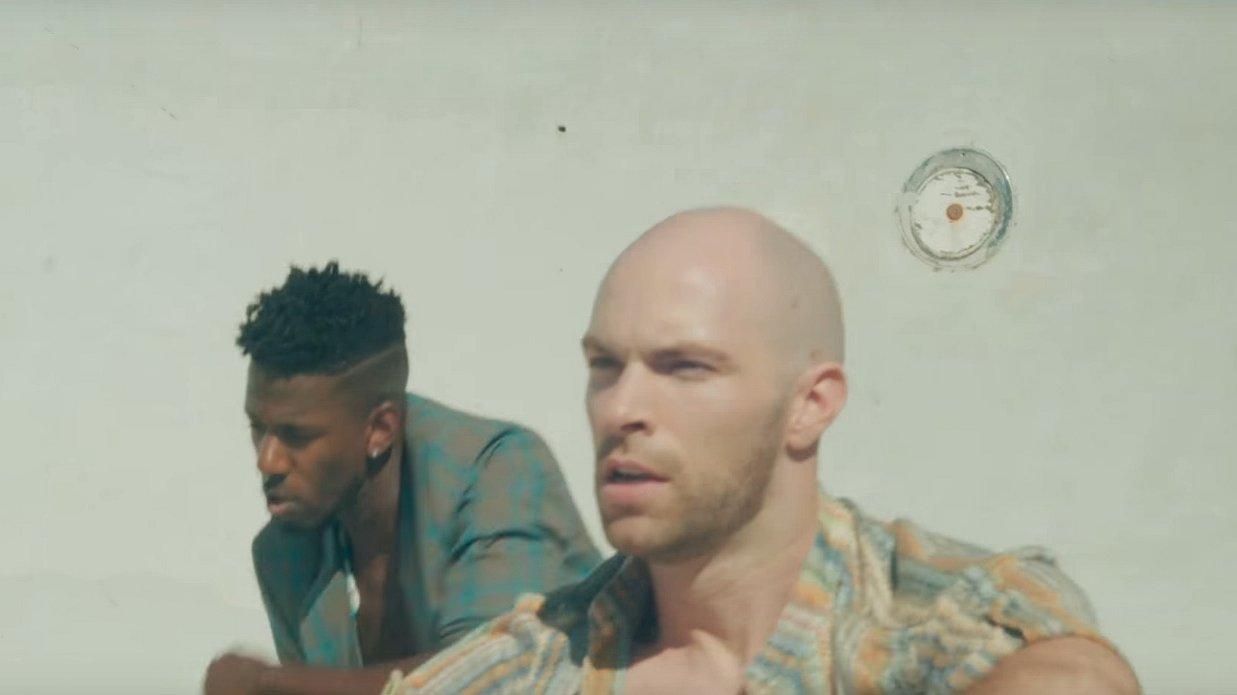 Oeh, die mannen in de muziekvideo's van deze week...