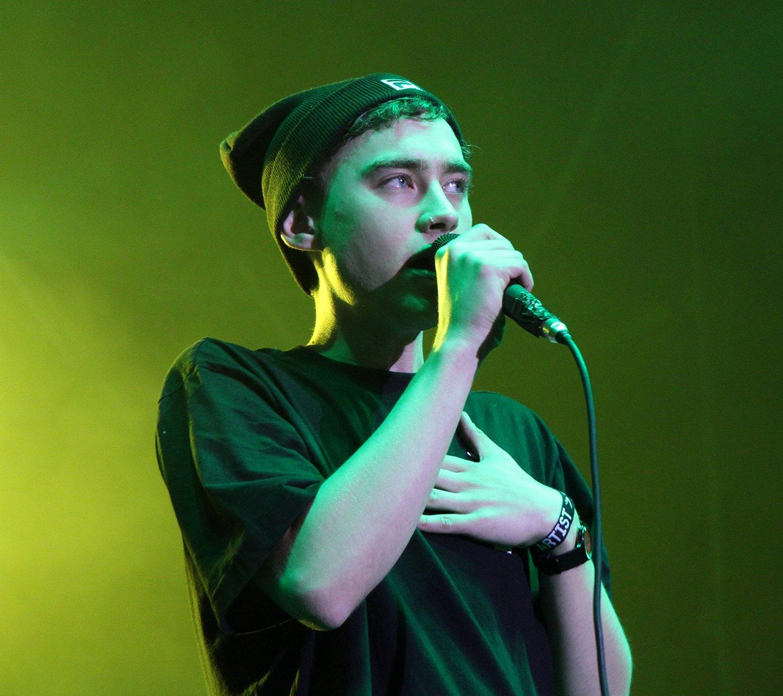 Kijken   Years & Years-frontman Olly over opgroeien als homo