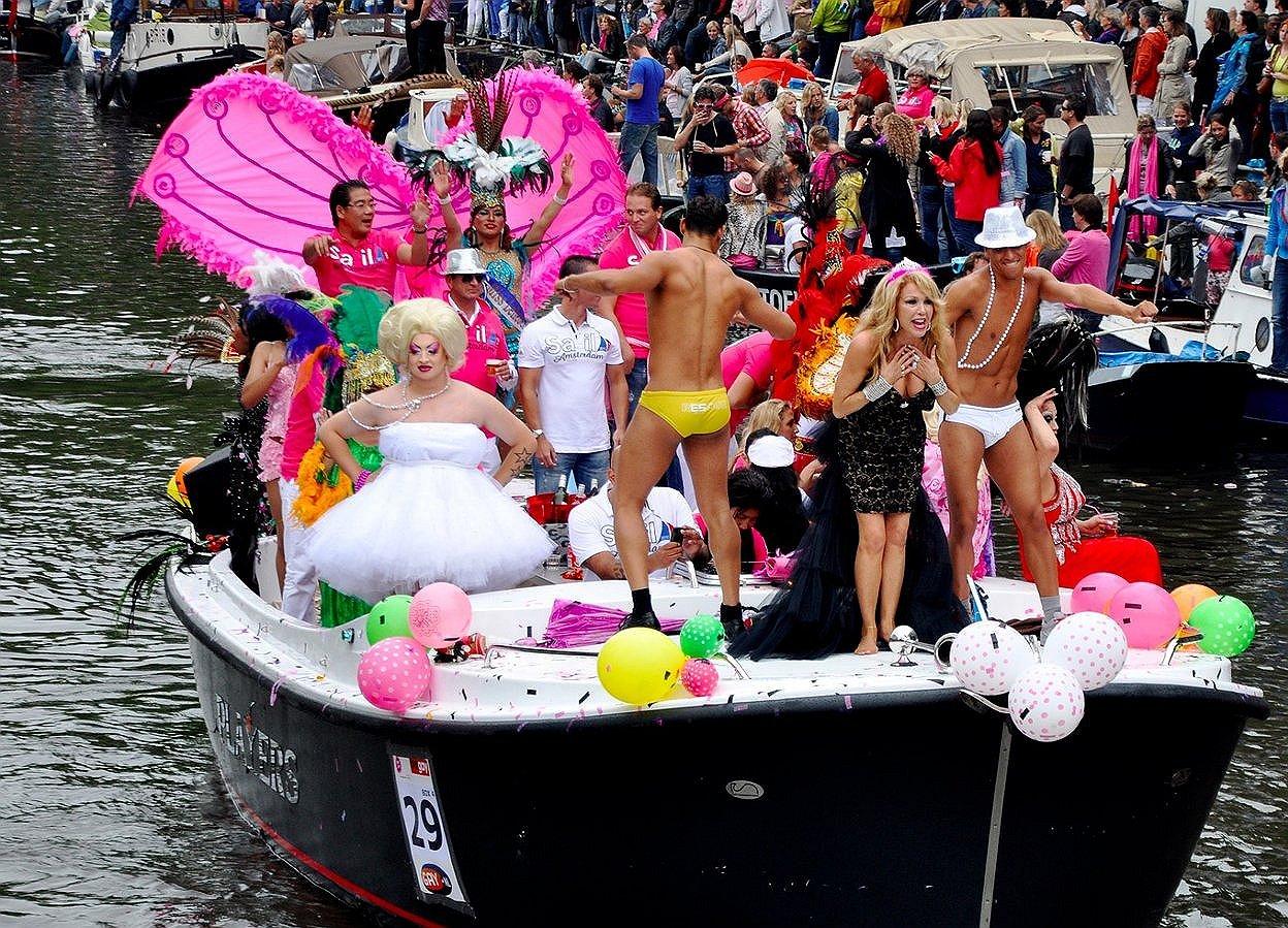 'Bedrijfsleven en overheid juist nodig voor de Canal Parade'