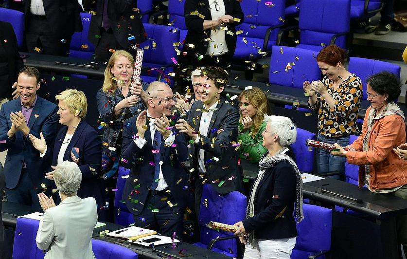 Ehe für alle: Duitse homo's mogen eindelijk trouwen!