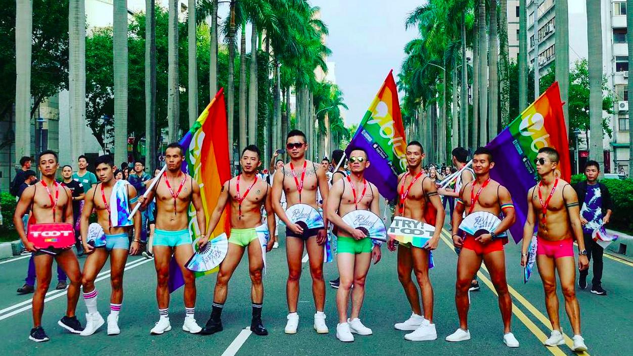Foto's: zo uitbundig viert Taiwan de Gay Pride