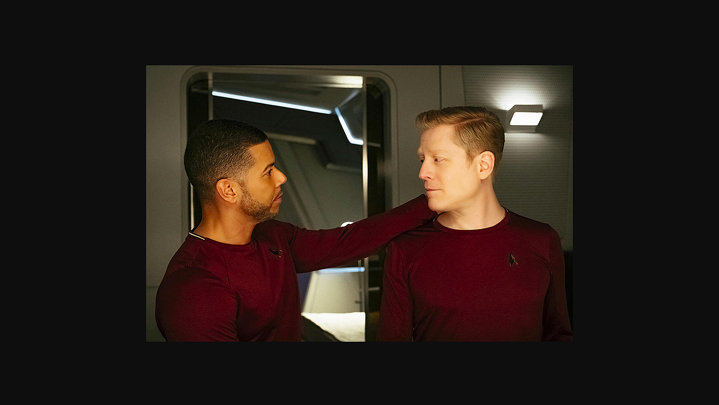 Twee mannen zoenen in Star Trek: hier de beelden!