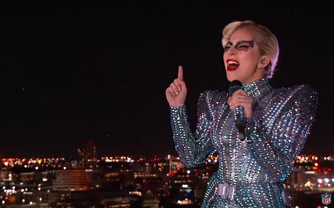 Lady Gaga steelt de halftime show tijdens Super Bowl
