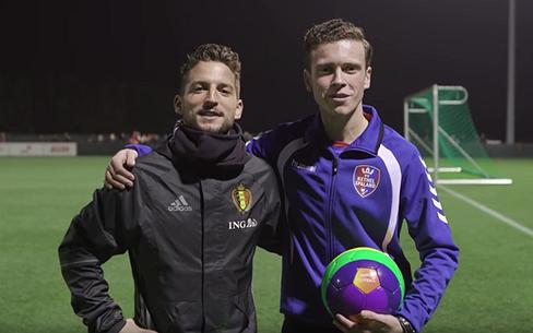 Videosnack | Danilo voetbalt out en proud