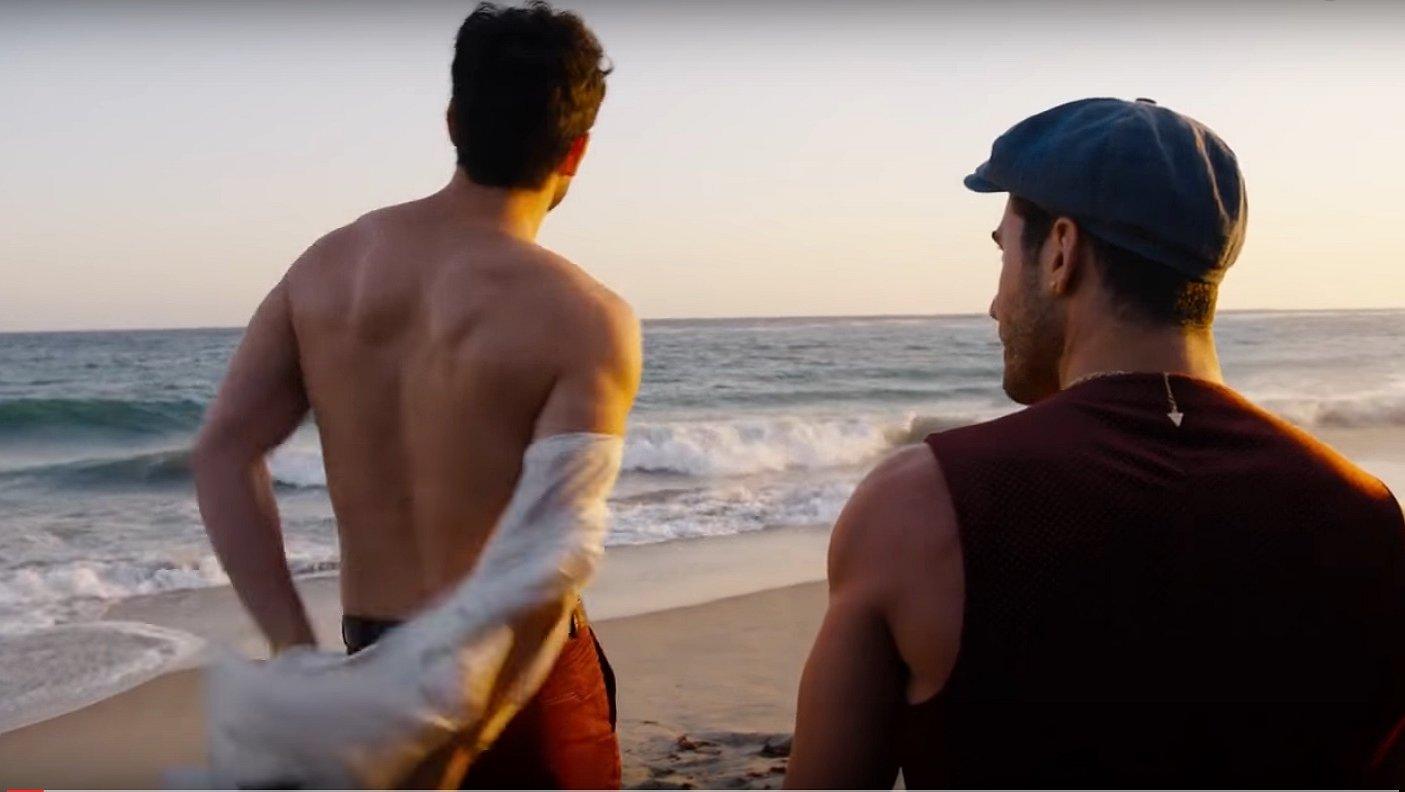 Hete beelden uit Sense8: dit liefdeskoppel spat van je scherm