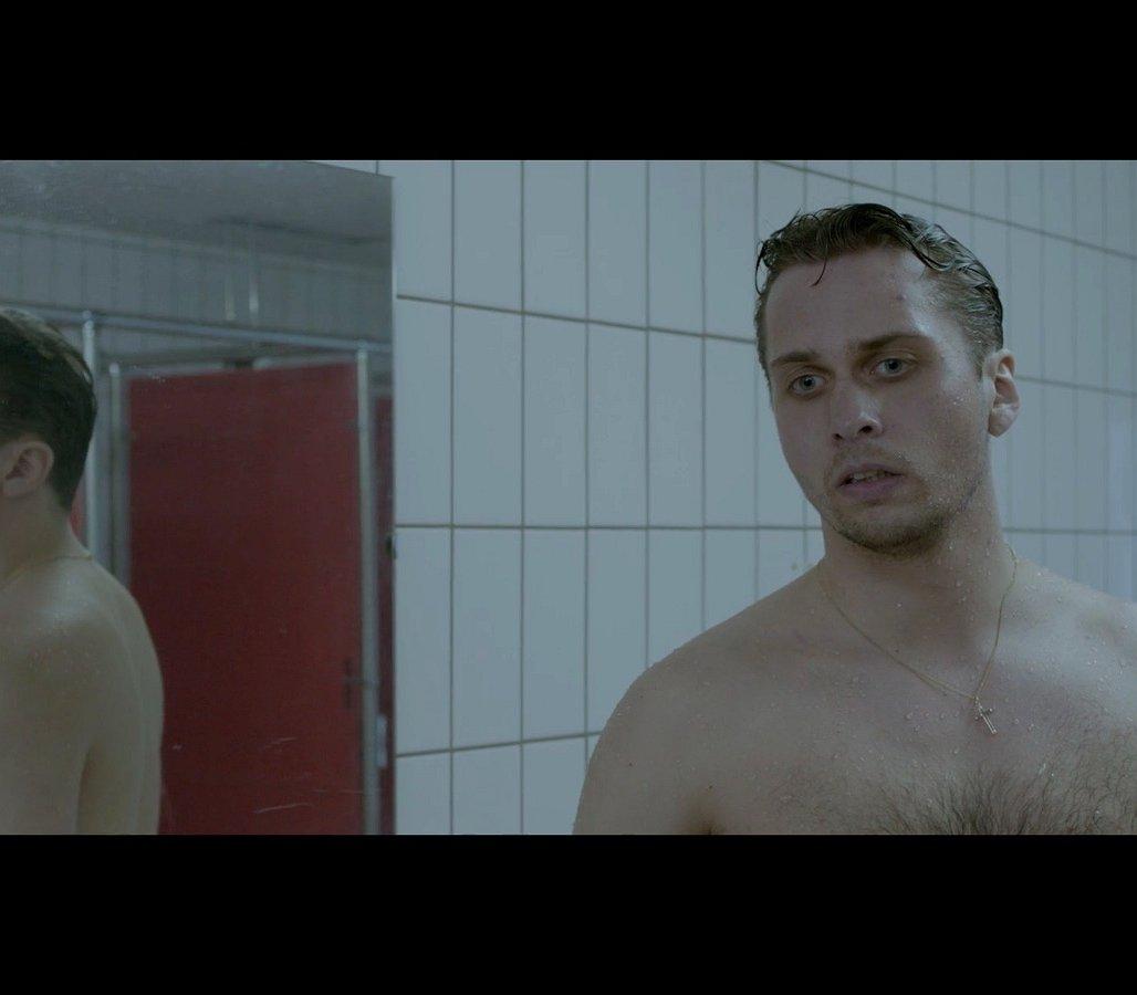 Kijken: de korte film Shower, over twee mannen die douchen. Zonder happy end…
