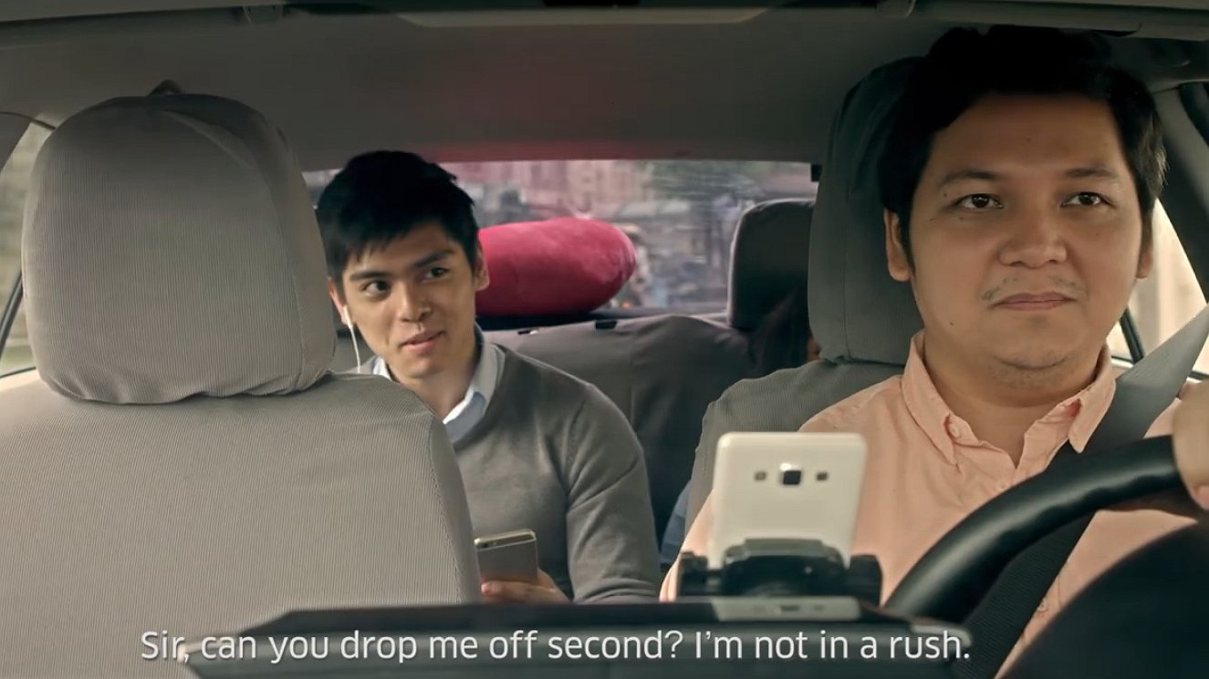 Video: verliefd op je collega die plots voor je neus staat. En dan?