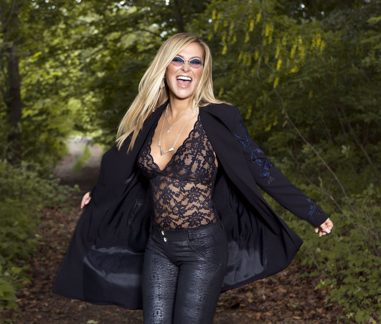Anastacia: 'Het boeit me niet of dit nummer scoort, ik wil het horen in alle gayclubs!'