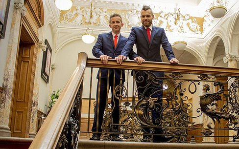 Pools dorp kiest voor homoseksuele burgemeester