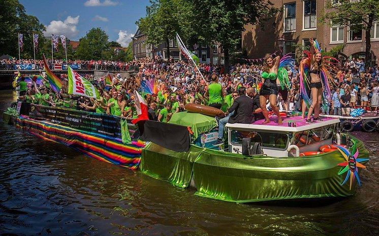 Het Opiniepanel | Politieke partijen bij de gaypride