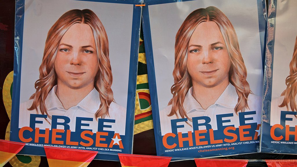 Chelsea Manning toont zichzelf als vrouw