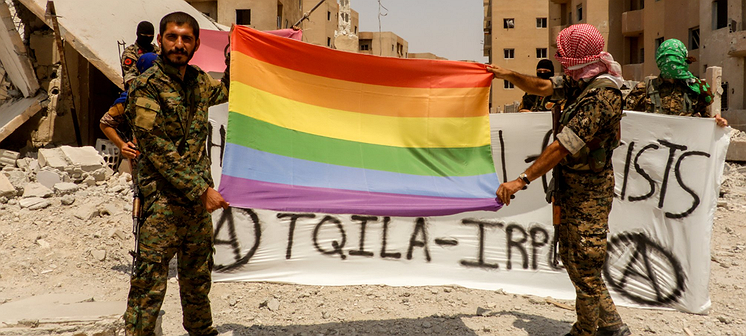 De queer TQILA-militie vecht tegen IS