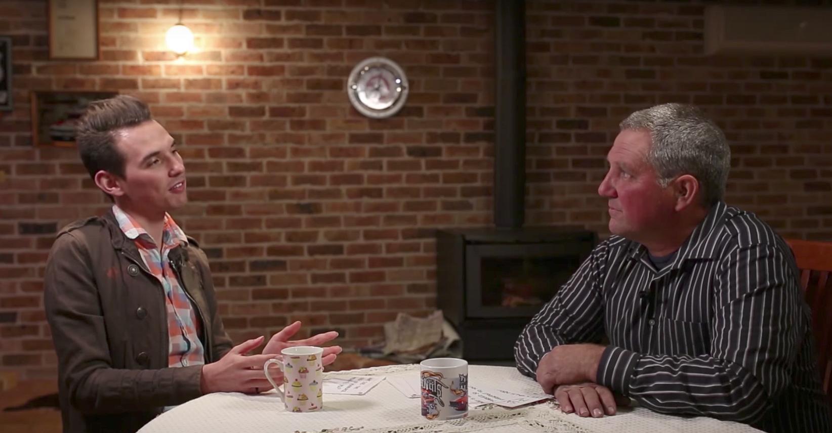 Videosnack | Deze jongen gaat met zijn vader in gesprek over gelijke huwelijksrechten