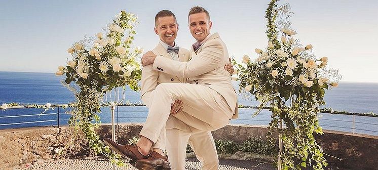 Deze twee Poolse mannen zijn eindelijk getrouwd