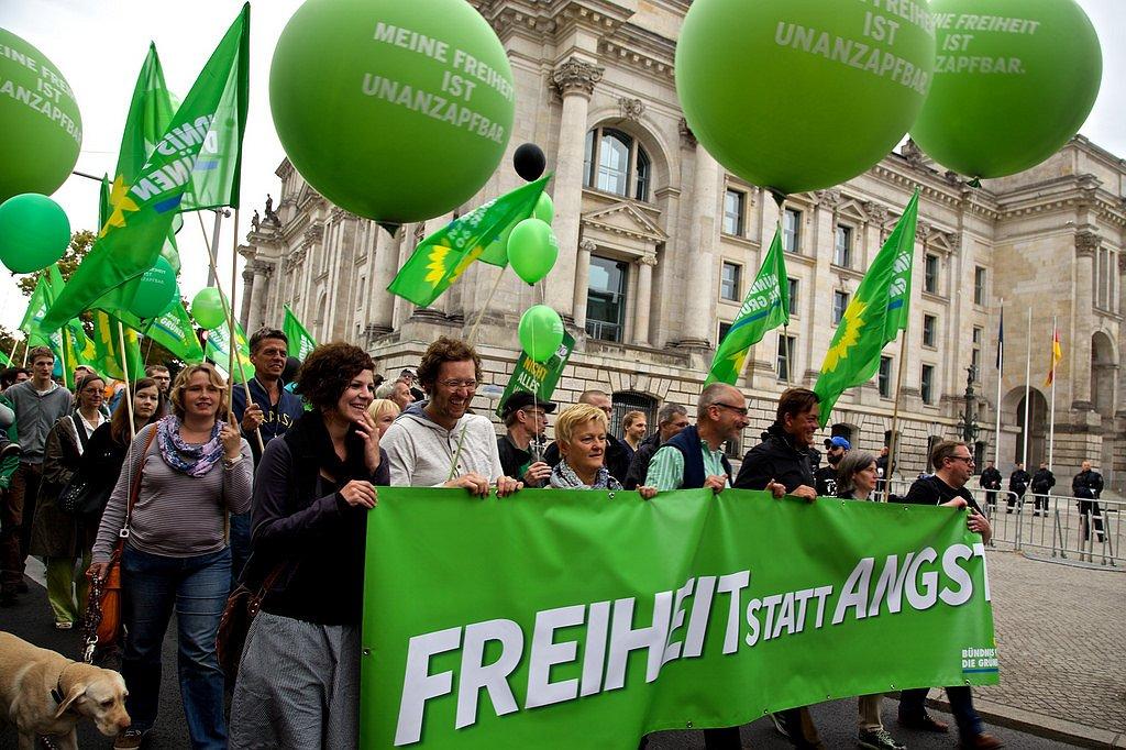 Duitse politieke partij regeert alleen als 'homohuwelijk' legaal wordt