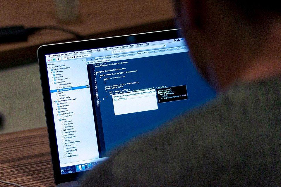 Een Frans bedrijf heeft software ontwikkeld om gays op te sporen