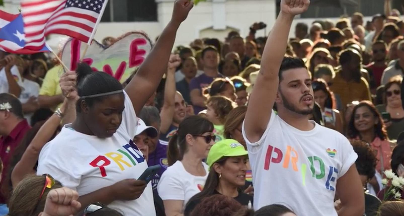 Een jaar later: de wereld herdenkt de slachtoffers van de schietpartij in Orlando