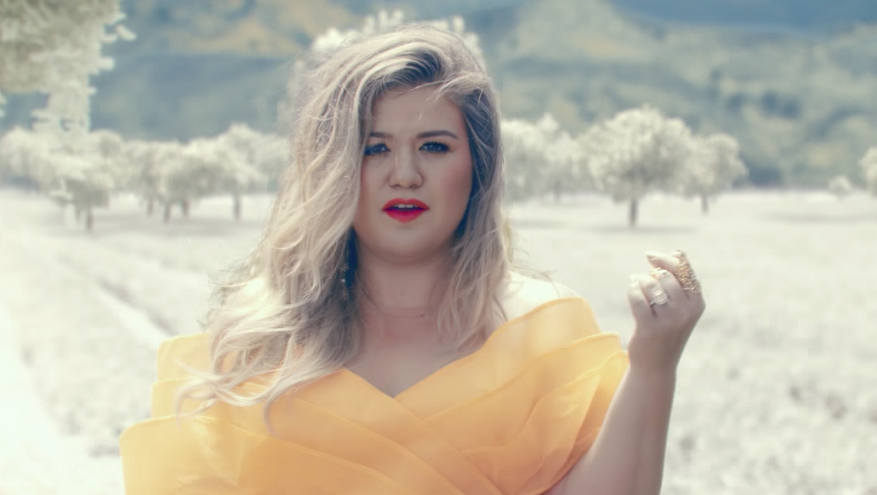 Kelly Clarkson is klaar om de hitlijsten te bestormen
