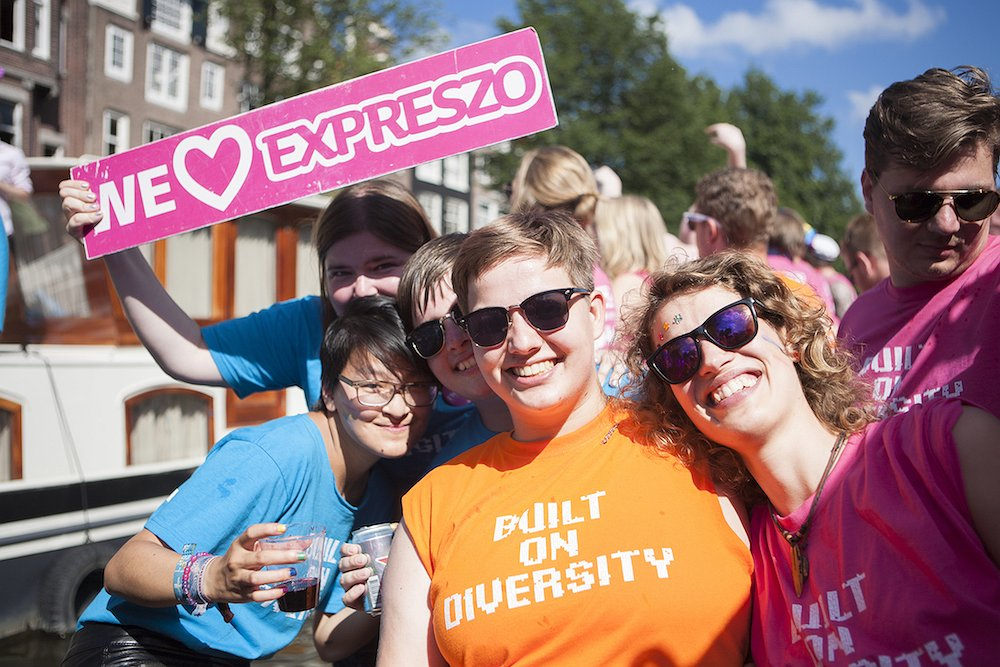 'Jongeren voelen zich steeds minder vaak thuis in het hokje lesbisch of homo'