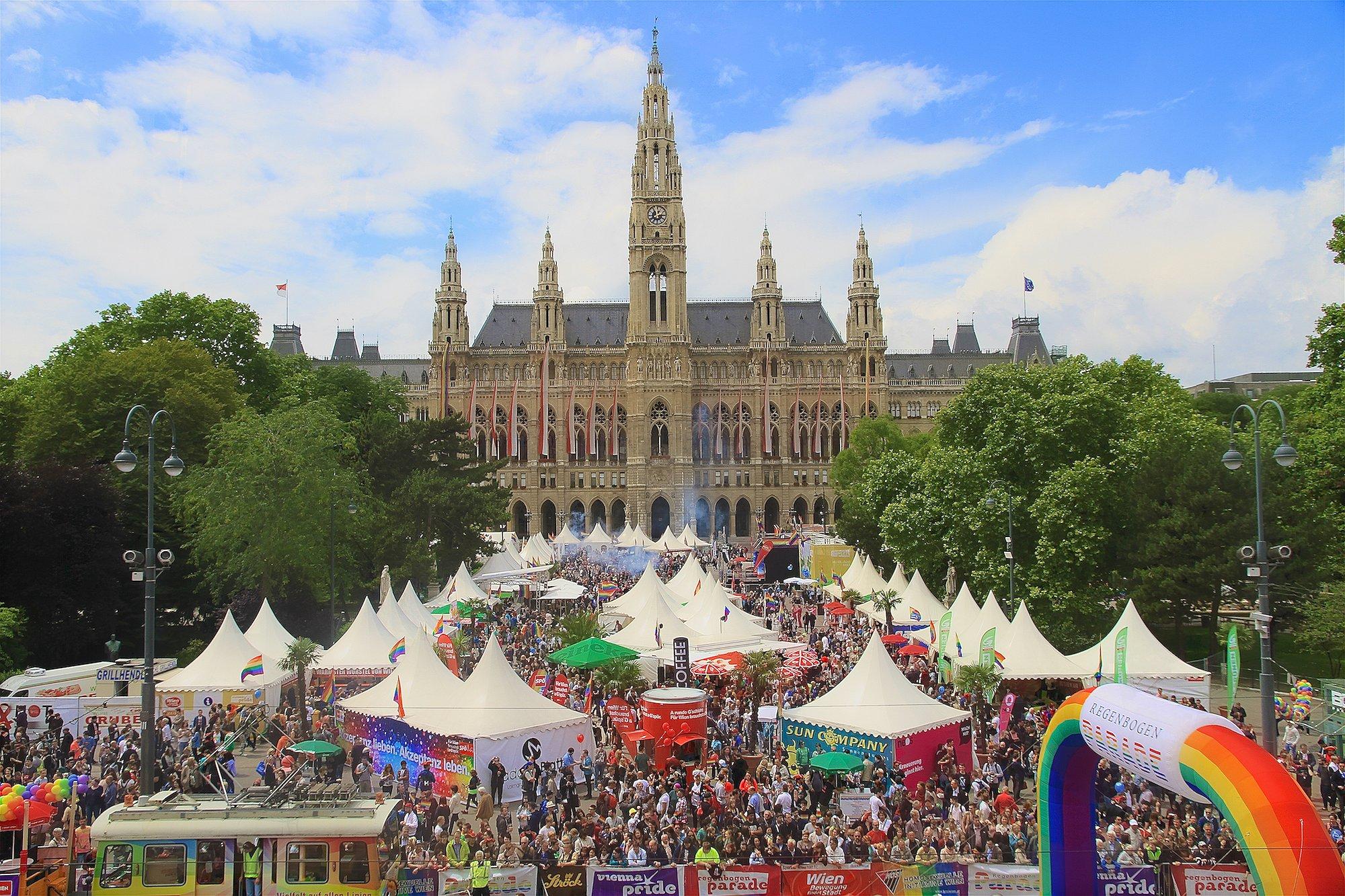 Oostenrijkse homo's mogen vanaf 2019 trouwen
