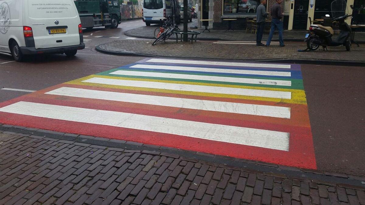 OM vervolgt vernielers Regenboogzebrapad Leiden