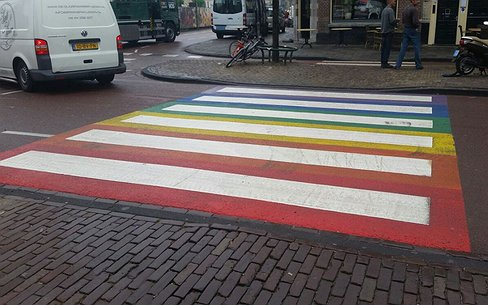 Vernielers regenboogzebrapad Leiden opgepakt