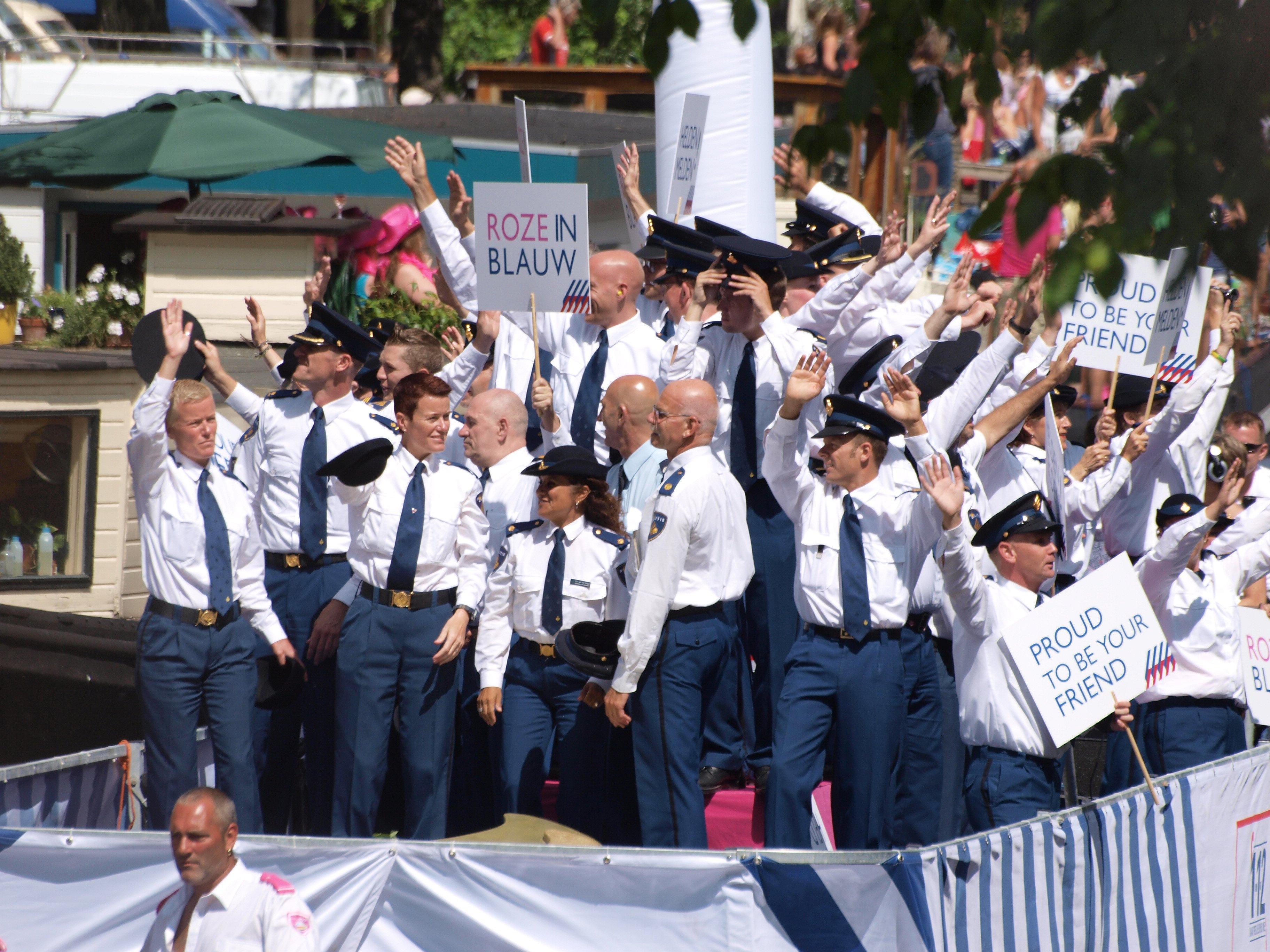 Volgens de SGP mag de politie niet meevaren tijdens de botenparade van de Gay Pride
