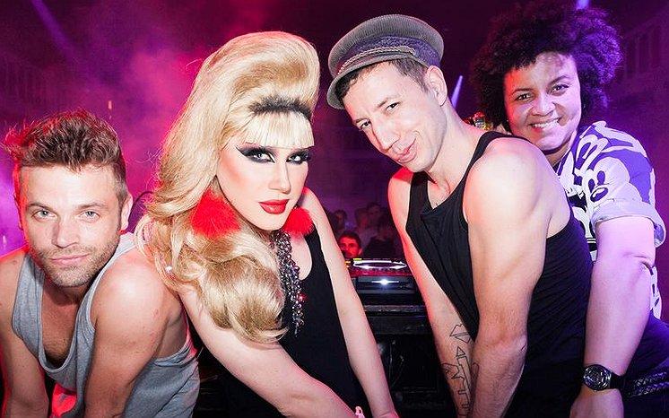 Thank Gay It's Friday | Zo vier jij het weekend!
