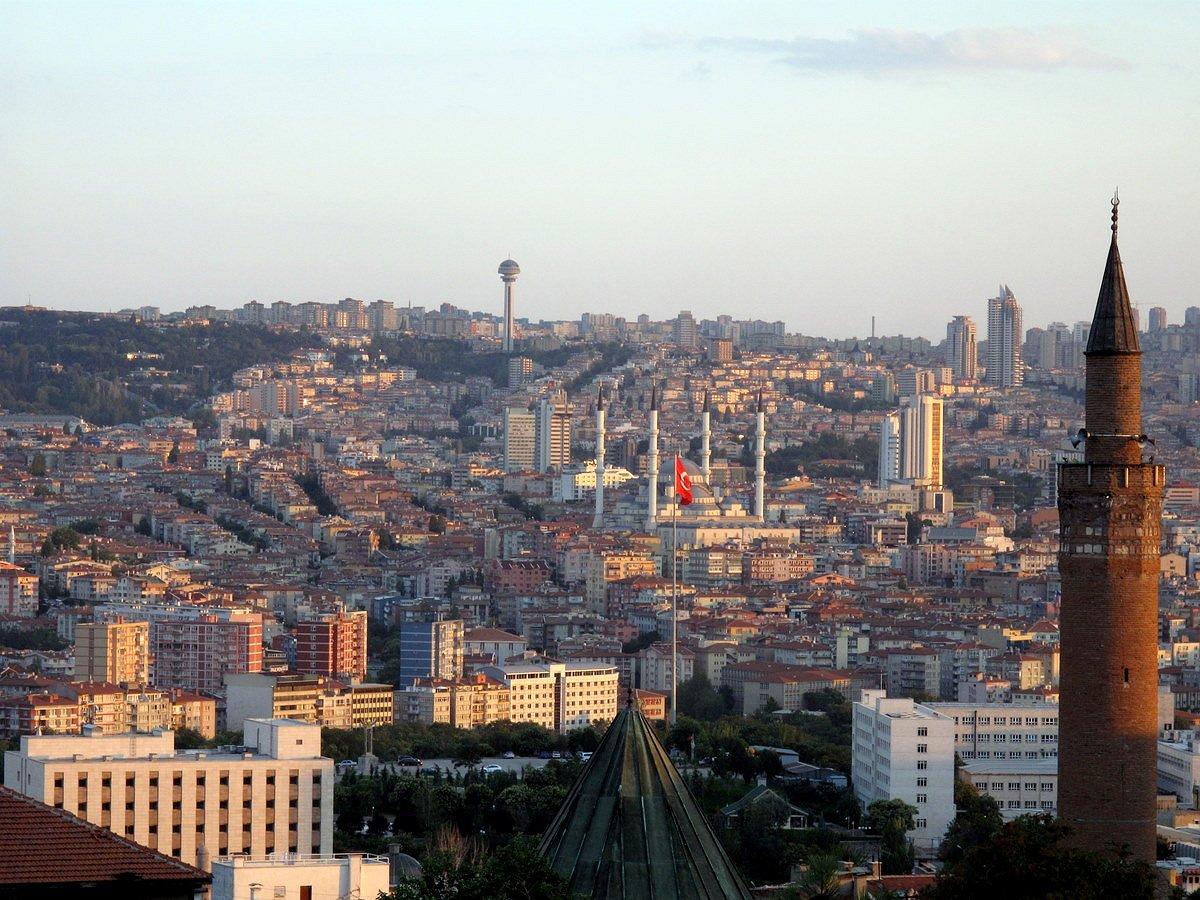 Turkse gouverneur verbiedt alle LHBT-activiteiten in Ankara