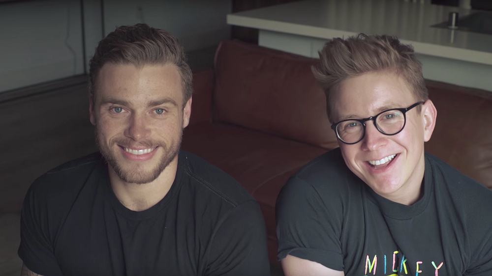 YouTuber Tyler Oakley geeft advies over coming-outs
