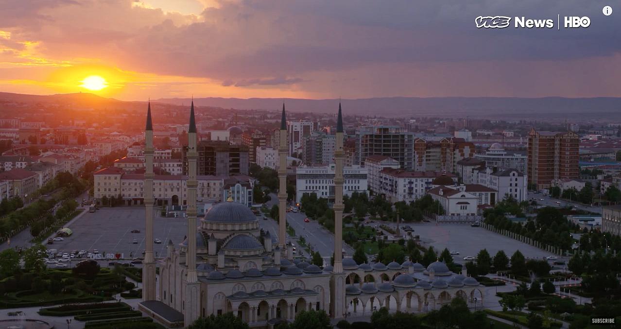 Vice brengt Tsjetsjeense gevangenis in beeld