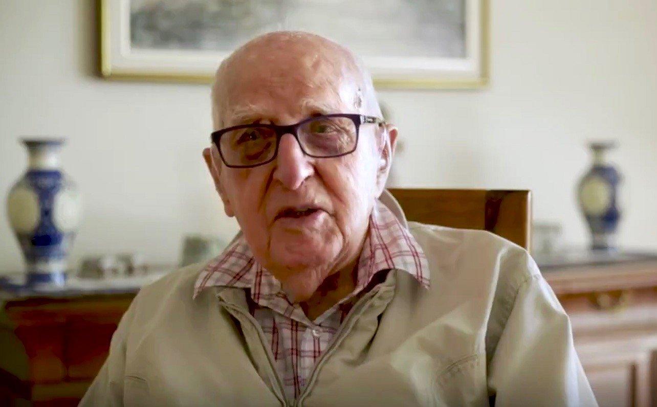Videosnack | Deze 104-jarige opa komt op voor openstelling van het huwelijk