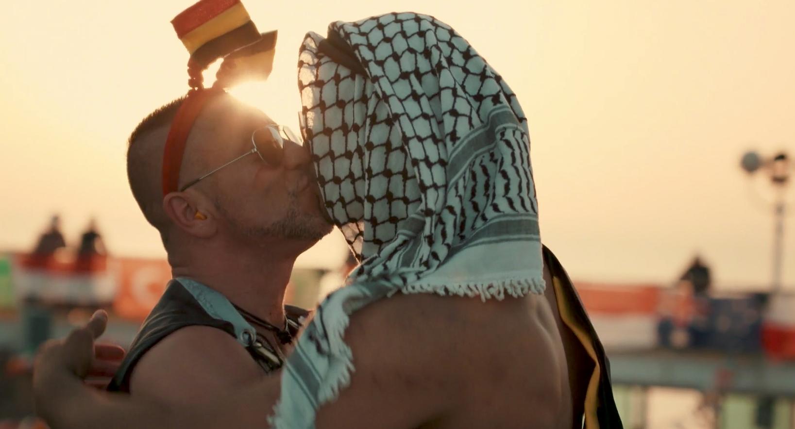 Videosnack | Deze documentaire volgt 3000 mannen tijdens een Gay Cruise