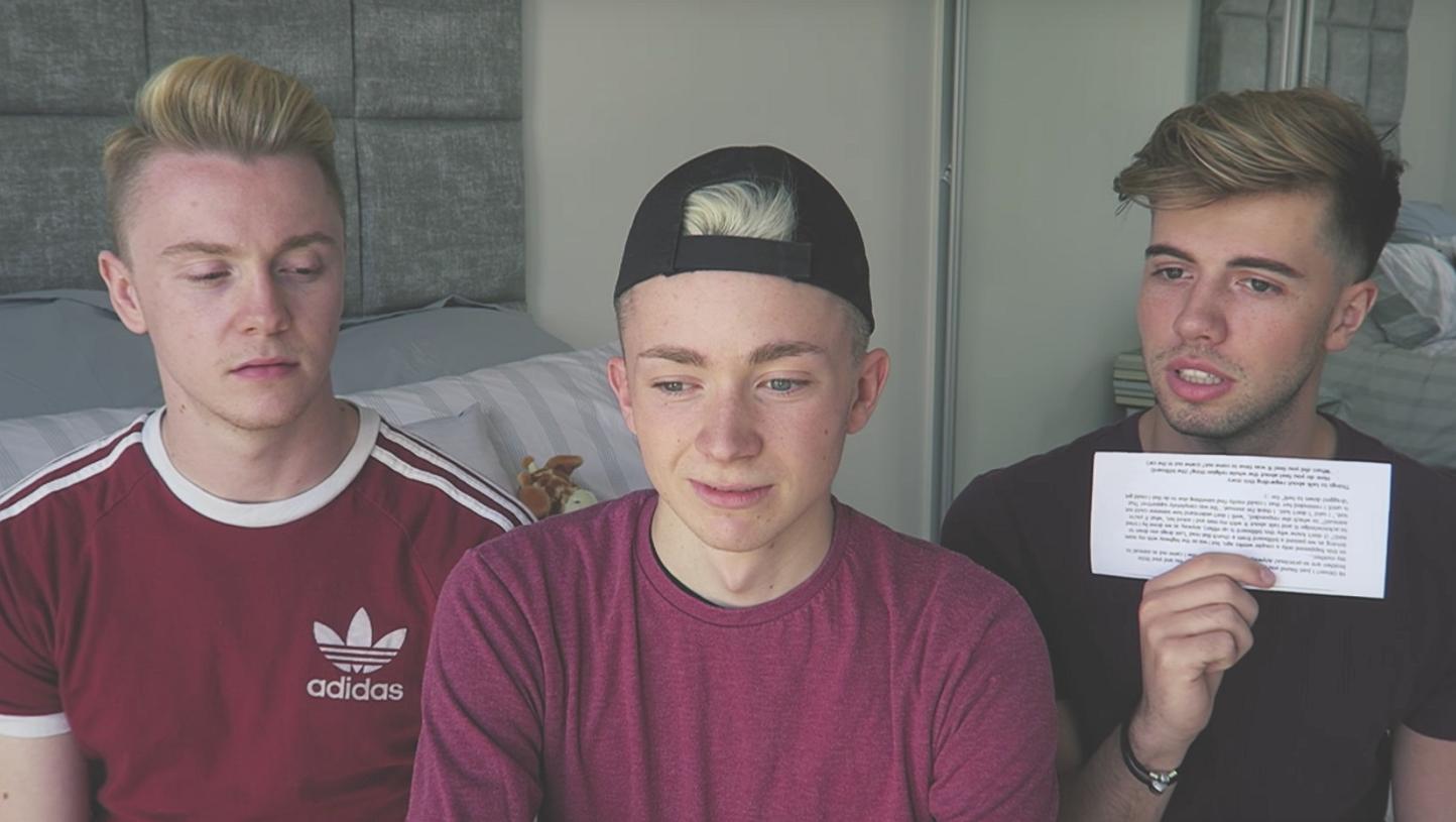 Virals van de week: Hoe reageren deze jongens op coming-out verhalen?