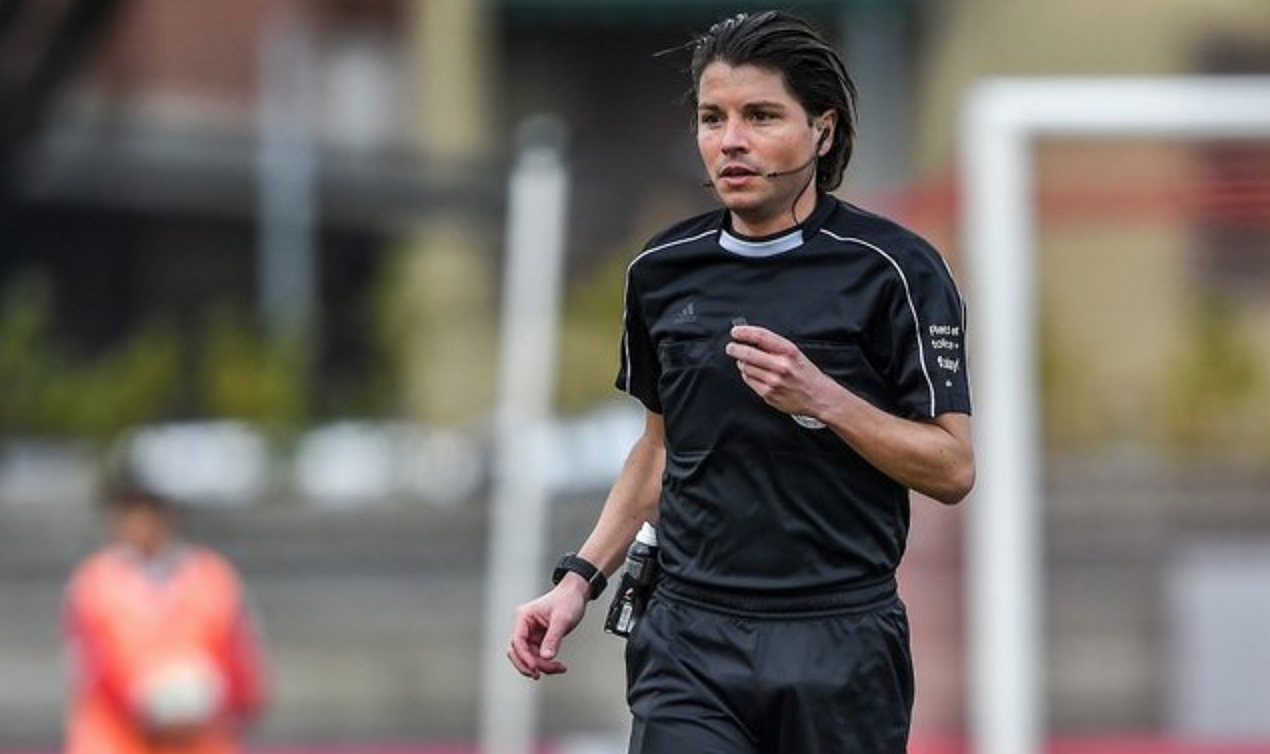 Zwitserse prof-scheidsrechter komt uit de kast