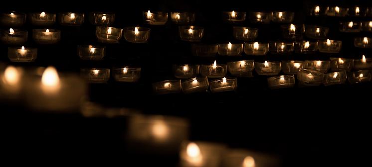 Zwolle staat stil bij 325 vermoorde transpersonen